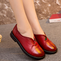 Spring and autumn women 's casual shoes soft leather shoes in the elderly flat - topped leather skid comfortable women' s single