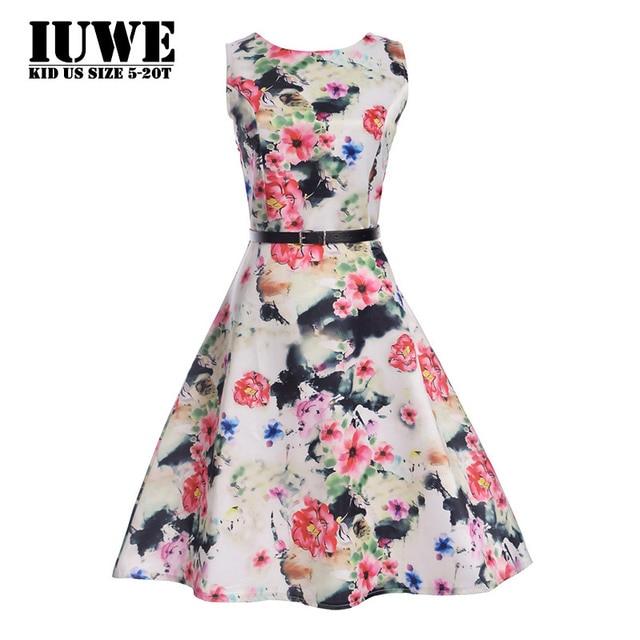zwarte jurk met witte bloemen