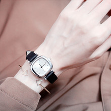2019new Simple Retro Art Korean Version of The Small Fresh Sen Female Students Quartz Watch Girls Pin Buckle Alloy Leather Strap watch girl student korean version of the simple retro small small disc female table small round black with black face