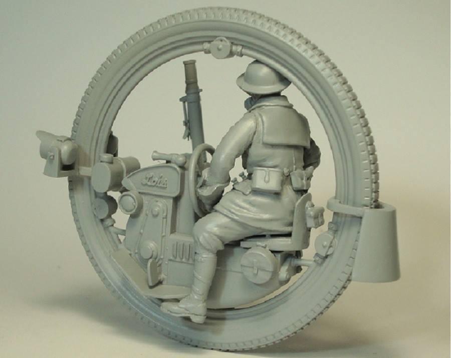 Image 2 - Unpainted Kit  1/35  MAN with Monowheel moto INLCUDE 7 HEADS   figure Historical  Resin kit miniature modelModel Building Kits   -