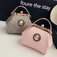2016 Fashion New Handbags High Quality PU Leather Women Bag Korea Retro Metal Clip Shoulder Bag