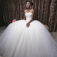 2019 Expensive Luxury Bling Bling Beading Ball Gown Wedding Dress Sexy Spaghetti Straps Arabic African Bridal Gown