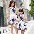 2016 Impresión de La Manera Vestido Sin Mangas de La Familia de Madre E Hija Traje A Juego Vestidos de Verano Para Las Señoras Y Las Niñas Mantener Fit Tamaño