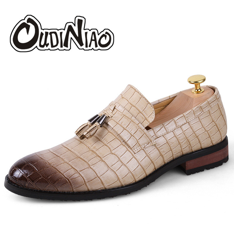 Fringe Slip On Men Shoes Tassel Loafers Patent Leather Shoes Men PU Pointed Toe Alligator Shoes For Men Zapatos Hombre new brush oxford shoes for men slip on pointed toe fringe oxfords men shoes leather causal formal men dress shoes zapatos hombre
