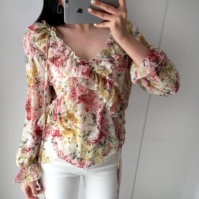 d647bc17797b 2019 nueva Blusa Floral Retro a la moda con volantes de manga larga gasa  Camisas mujer estilo bohemio dulce Tops verano Chemise