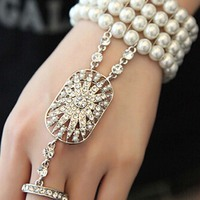 Womens Lady One Piece Bridal Jewelry Rhinestone Immitation Pearl Hand Harness Ring Wristband Bracelet Gift