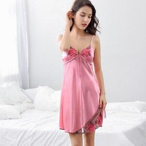 Image 2 - Xifenni Robe סטי נקבה סקסי סאטן משי הלבשת נשים תחרה V צוואר רקמת פו משי חלוקי רחצה שני חלקים בגדי בית x8204