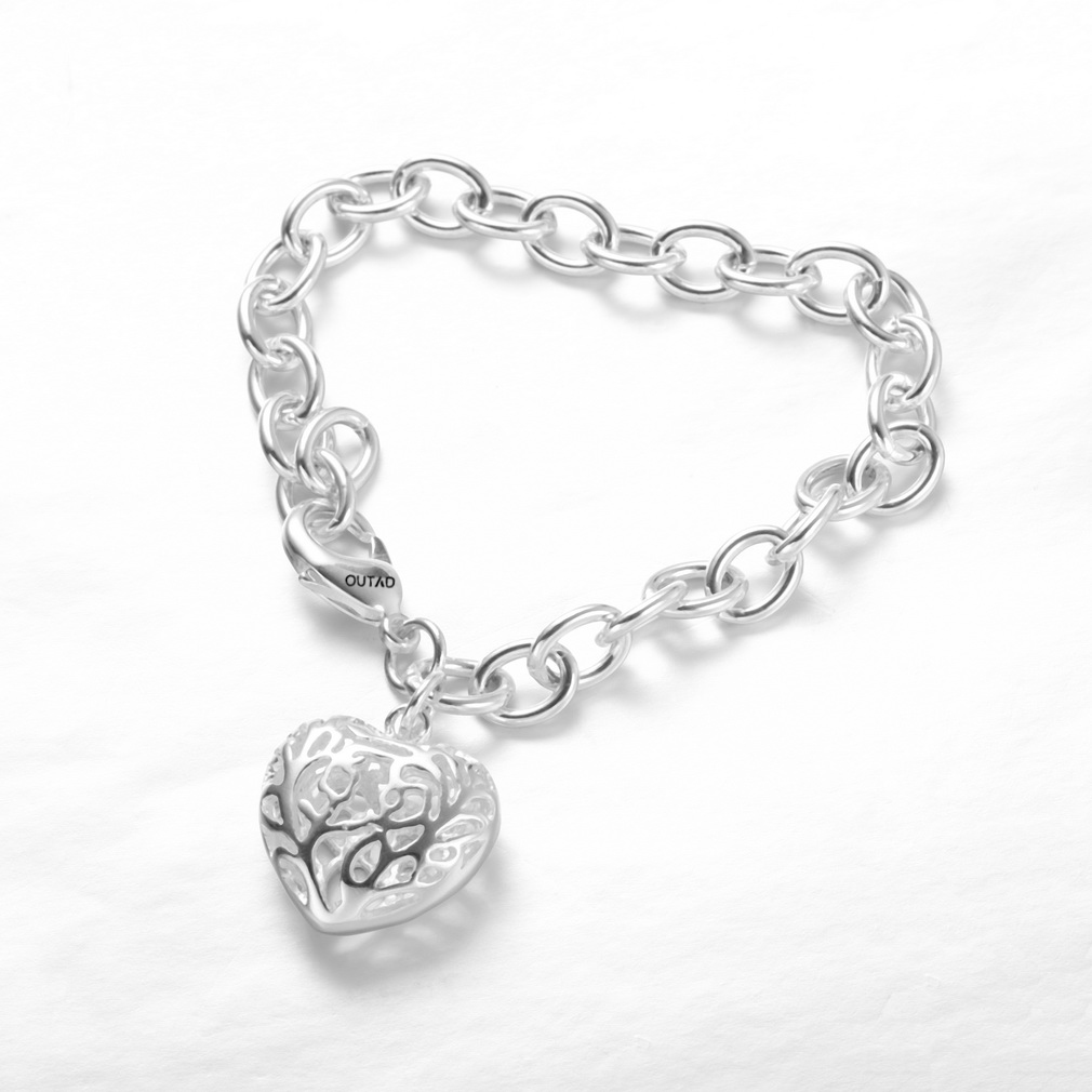 OUTAD Hollow Out Heart Pendant Bracelets Fashion Jewelry heart cut out ribbed tee