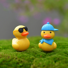 Duck microlandscape Decorating kids birthday party gifts little yellow sunglass Lovely a car pendant