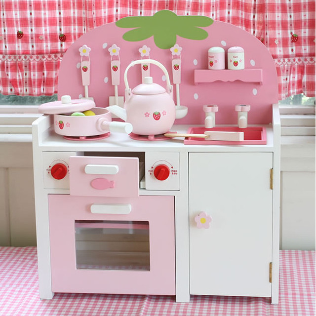 holz k che kinder baby spielzeug kochen erdbeere mutter garten rosa gas kochfeld tisch kind. Black Bedroom Furniture Sets. Home Design Ideas