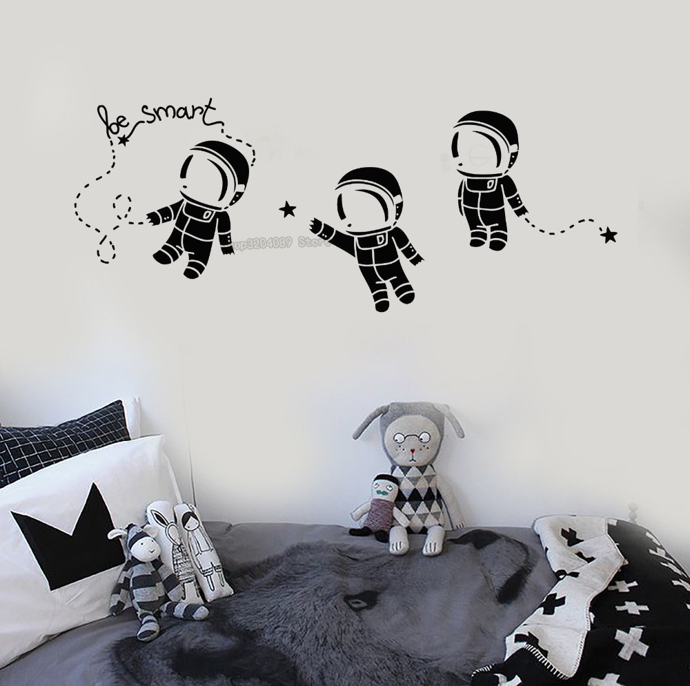 SPACEMAN  ASTRONAUT AND EARTH Vinyl Wall art sticker decal