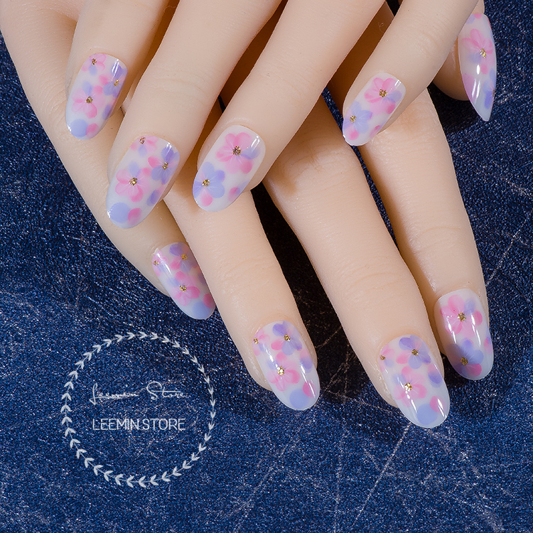 Romantic nails dreamful pik and blue flower nails round tip fake ...