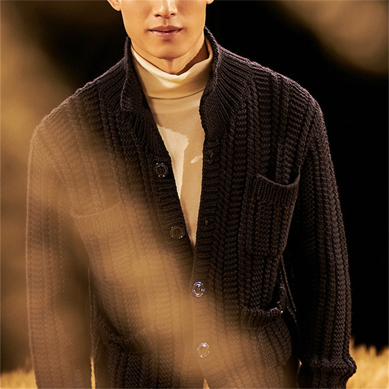 100% Hand Made Pure Wool Turtleneck Knit Men Fashion Solid Loose Thick Single Breasted Cardigan Sweater Customized