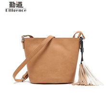 Здесь можно купить   Vintage Leather Shoulder Bags Tassen For Women 2017 Fashion Famous Brands Designer Style Small Bucket Messenger Crossbody Bag Handbags