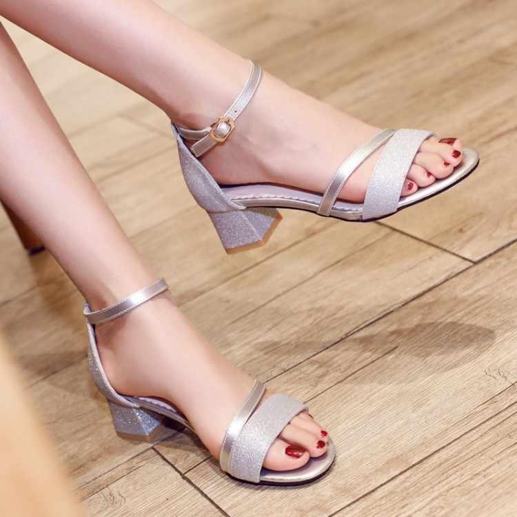 Büyük boy 1 yüksek topuklar sandalet kadın ayakkabı kadın yaz bayan sandalet kalın topuklu ve tokaları