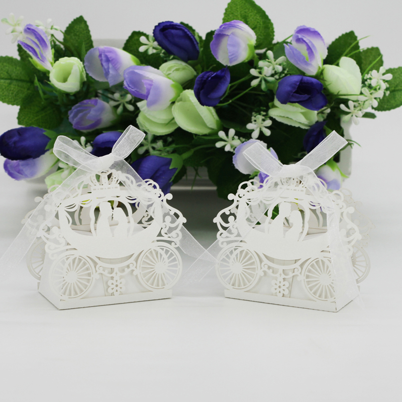 50pcs/Lot Wedding Paper Candy Box Carriage Wedding Favors Gift Box Chocolate Box For Guests Party Supplies Wedding Decoration