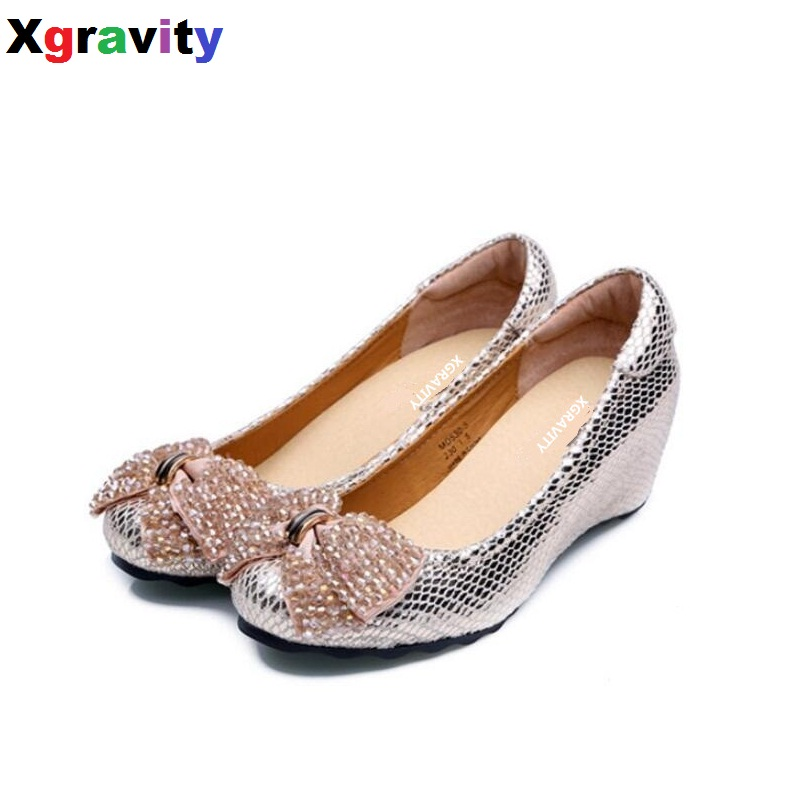 2018 Summer Autumn Fashion Mid-Heeled Wedge Shoes Round Toe Casual Woman Shoes Crystal Butterfly Knot Shoes Women Footwear C133 women s shoes 2017 summer new fashion footwear women s air network flat shoes breathable comfortable casual shoes jdt103