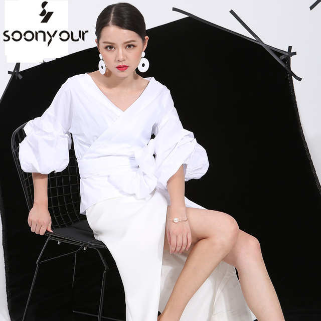 2017 new arrivals women summer white blouse V-neck  lantern sleeve sexy elegant shirt female fashion tops 3 colors W0040S