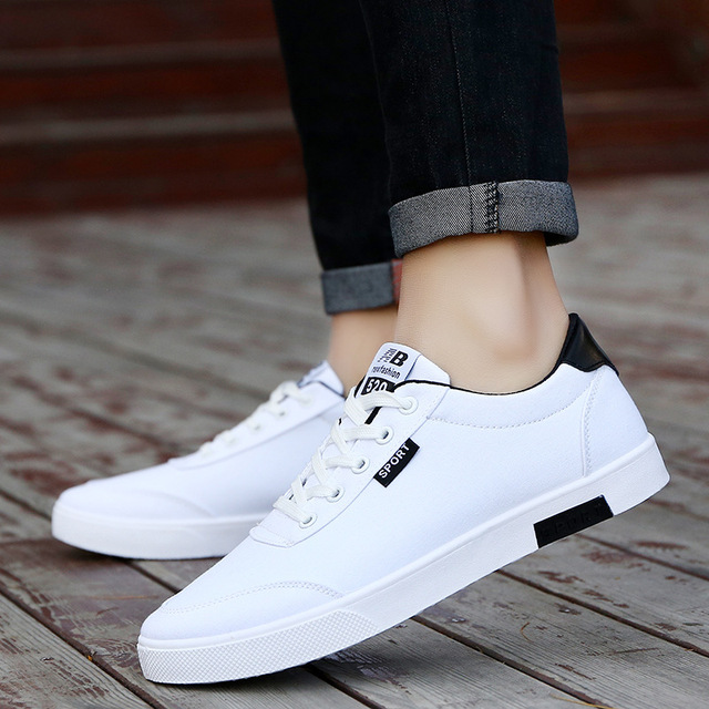 e6c926cbfc33 Men Shoes 2018 New Fashion Casual Students White Board Shoes Men Trend of  Breathable Canvas Shoes