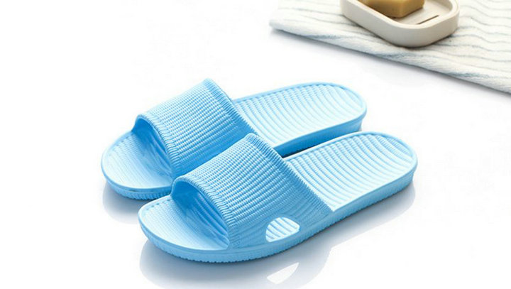 Cheap Price New Summer Home Bathroom Slippers Indoor Anti Slipper Soft Bottom Family Woman Man Slippers (4)