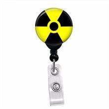 방사성 기호 좀비 방사선학 id 카드 이름 태그 개폐식 배지 릴 끈 배지 홀더 회전 클립