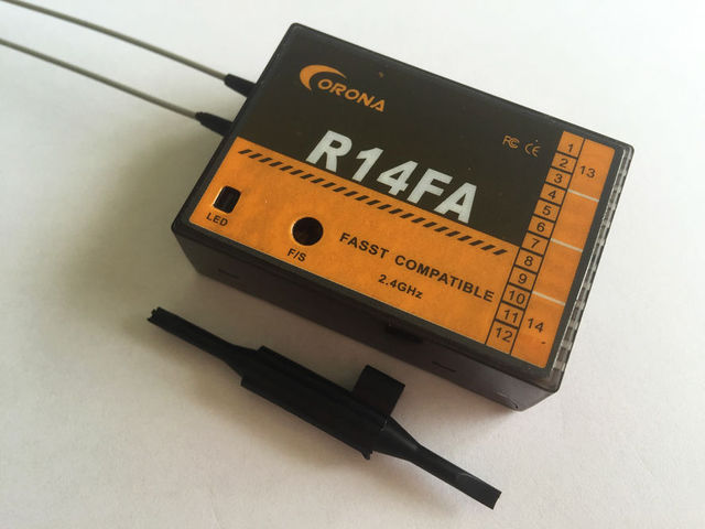 Corona R14FA Compatible FASST 2.4 Ghz 14Ch Transmisor Receptor De FUTABA 12FG
