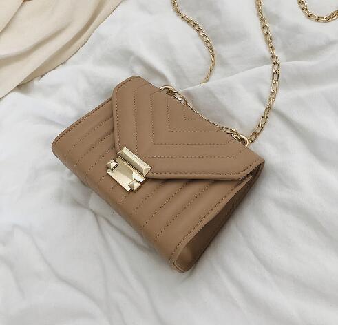 2019 New Texture Slanting Bag Girl Baitao Ins Chain Fashion Square Bag