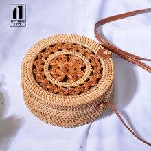 купить Summer Bali Hand Woven Women Rattan Bag Round Shoulder Crossbody Bags Beach Straw Bag leather buckle 20x20cm straw Messenger bag дешево