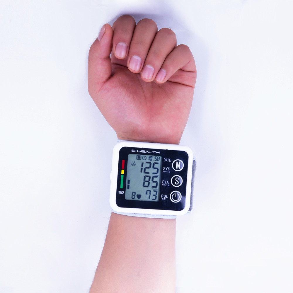 2016-New-Health-Care-Germany-Chip-Automatic-Wrist-Digital-Blood-Pressure-Monitor-Tonometer-Meter-for-Measuring (2)