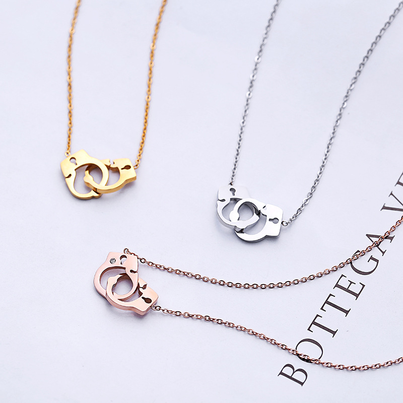 Speical Handcuffs Stainless Steel Pendant Women Rose Gold Color Simple Necklace ZK50
