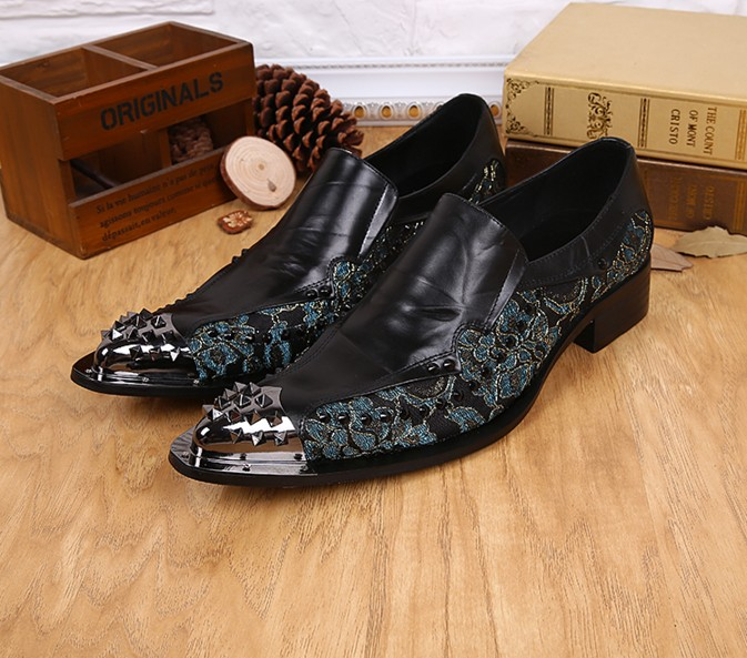 New Italian Style Men Formal Shoes Luxury Genuine Leather Mens Loafers Fashion Rivets Pointed Toe Business Dress Wedding Shoes fashion top brand italian designer mens wedding shoes men polish patent leather luxury dress shoes man flats for business 2016