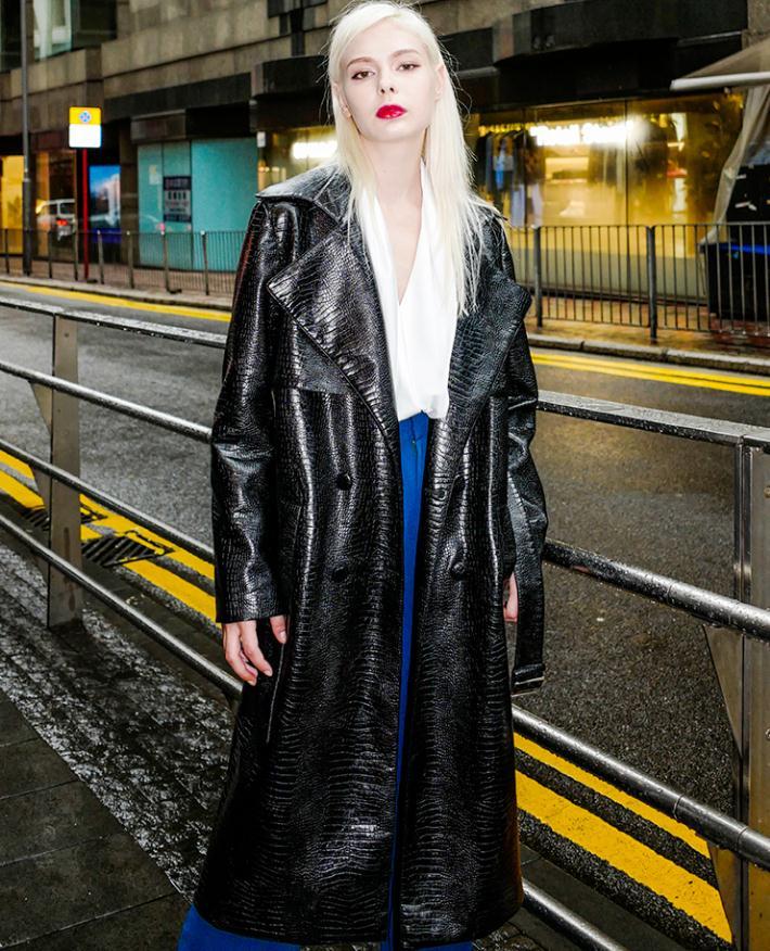 Moda marca imitação de crocodilo padrão jaqueta couro do plutônio estilo de rua feminino era fina longa jaqueta de couro wq203 dropship