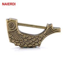 NAIERDI 60*30mm candado con llave chino antiguo estilo antiguo Retro cerradura de aleación de Zinc joyería con motivo de peces cerradura decoración del hogar