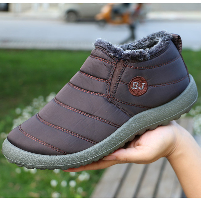 Mulheres Botas Manter Quente Sapatos de Inverno Mulher Botas Mujer À Prova D' Água Botas de Neve Com Pele do Inverno do Tornozelo Botas Femininas Plus Size 35-44