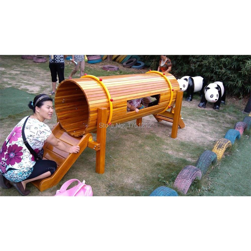 Équipement de terrain de jeu en bois Antirot maternelle certifié CE Tunnel en bois sécurité enfants installations de jeu en plein air HZ-5412a