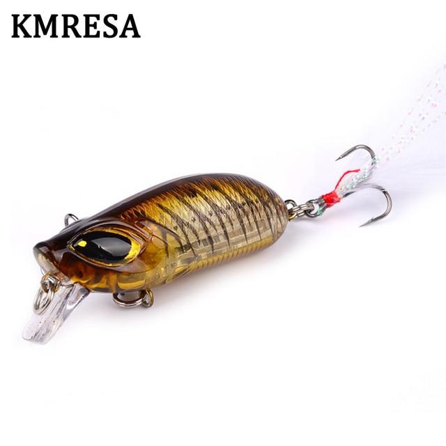 1pcs Topwater fishing은 깃털로 5.5cm 8.26g 미노우 하드 베이트를 유혹합니다. Crankbait CrankArtificial Wobblers Fishing Tackle