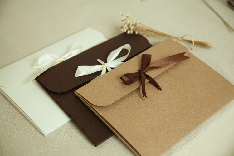 New 24*18*0.7cm 3 Color Envelope Kraft Paper Bags Diy Collect Files Use As Gift Love Letter Packaging High Quality Hot Sale 6596