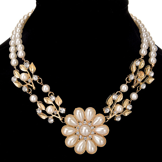 Fashion Exaggerated Double Layer Pearl Choker Necklace Pearl Flower for Debutante Party Dress Jewelry