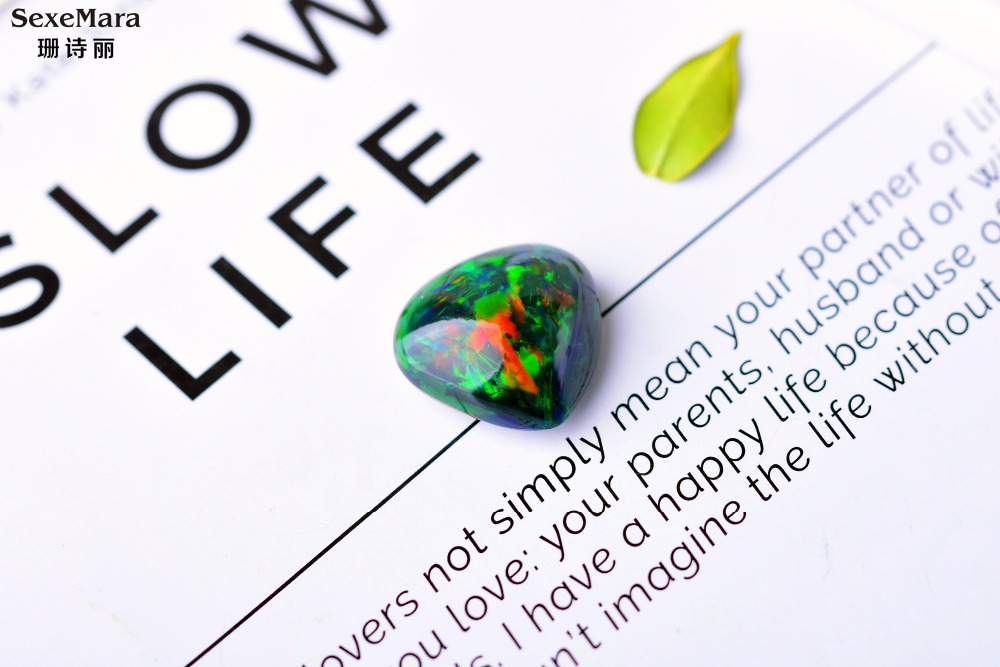 Australie 10.57 carat opale noire couleur opale nue pierre gemme opale anneau pendentif opale