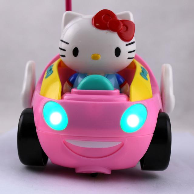 Novo Carro RC Crianças dos Desenhos Animados Kitty Brinquedo Equipamento Eléctrico com Iluminação E Música Carro de Controle Remoto Cor Aleatória Livre grátis
