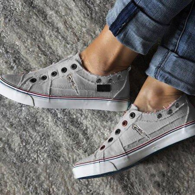 New Women Leisure Vulcanize Shoes Autumn Men Flat-Soled Sports Sports Shoes Lovers Solid Canvas Flat Sneakers Plus Size 35-43 4