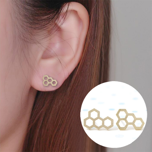 Shuangshuo Trendy Tiny Small Honeycomb Stud Earrings for Women Brincos Korean Earrings Fashion Jewelry pendientes hombre ED039