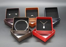 New Arrive Jewelry Box 12 Pcs/lot Wholesale 5 Colors High-end Paper Favour Gift Vintage Design Necklace/Ring/Earrings