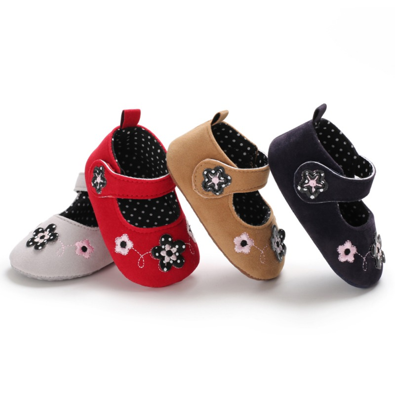 PU Baby Shoes 2019 Red Baby First Walkers Soft Flowers Newborn Sole Baby Girls Sneakers Prewalker Baby Loafers