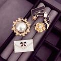 B42 Número 5 combinación de perlas CC estilo Famoso Diseñador de la Marca de Joyería de Lujo 2016 Broche Broche Para Las Mujeres Vestido de Suéter