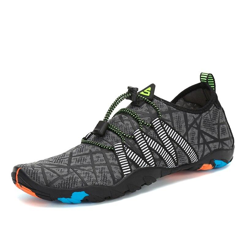 Chaussures d'été Hommes Respirant Aqua Chaussures Femmes En Caoutchouc Sneakers Adulte Plage Pantoufles En Amont Chaussures De Natation Sandales Plongée Chaussettes