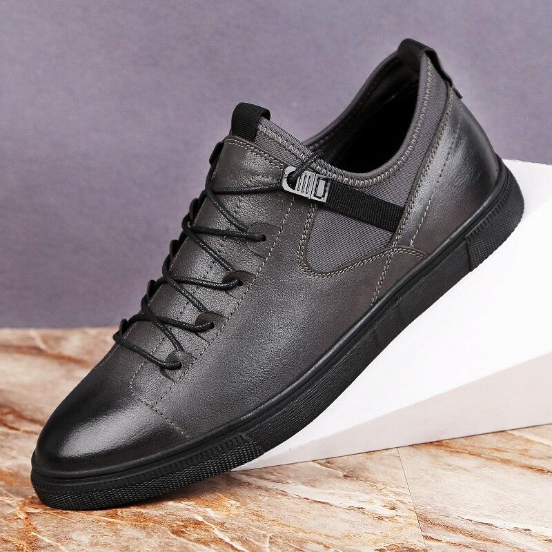 Ayakk.'ten Erkek Rahat Ayakkabılar'de Yeni Hakiki Deri rahat ayakkabılar erkek mokasen ayakkabıları Nefes Eğilim Flats Erkekler Sneakers Vahşi Siyah Gri Inek deri ayakkabı Artı Boyutu 48'da  Grup 1