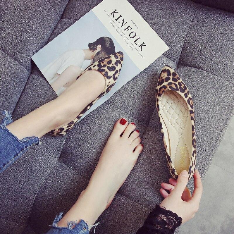 Peu Chaussures Unique Nouvelle Bouche Beige slip Profonde Douce Femmes Dames Bout Sexy Pointu Non Léopard Arrivée Lumière Casual marron Plates aCnCr8p
