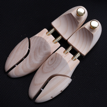 Mens Pine Wood Shoe Trees Metal Knob Adjustable Length and Width Shoes Care