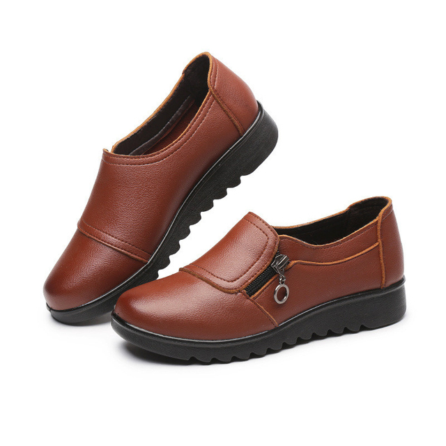 YAERNI Autumn Women's Shoes Fashion Casual Women Leather Shoes Ladies Slip On Comfortable Plus Size Work shoes free shipping 1
